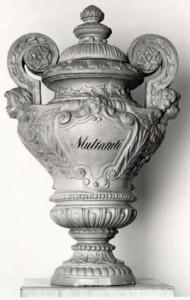 Urn van Multatuli in het Multatuli Museum