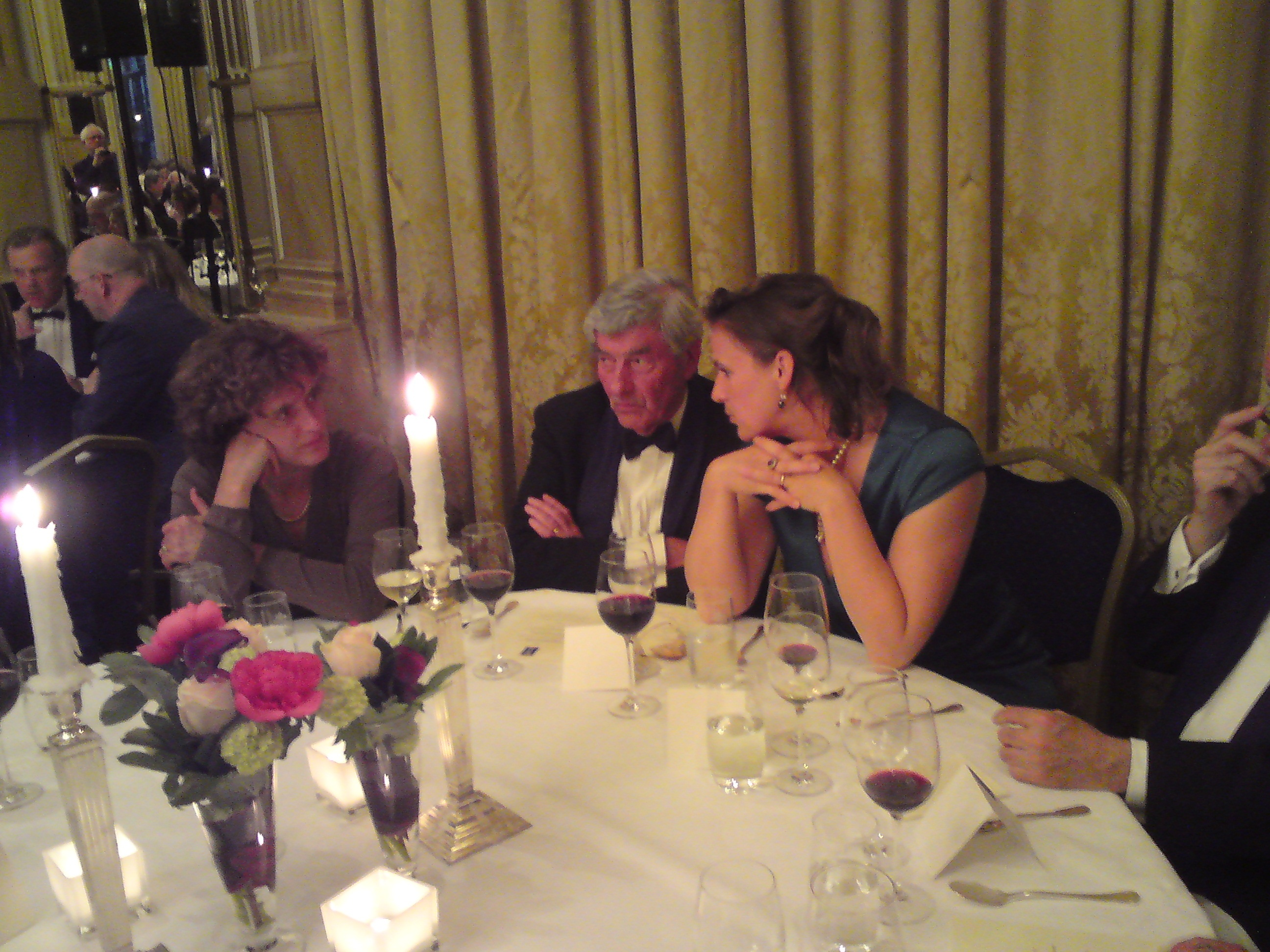 V.l.n.r. Marij Bertram, directeur van Nieuw Amsterdam, Ruud Lubbers, elder statesman, mevrouw Lubbers