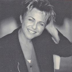 Connie Palmen. Foto op achterflap van de eerste druk van De Wetten