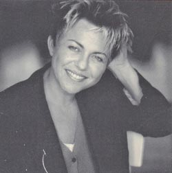 Connie Palmen, foto van Annaleen Louwes achterop De Wetten