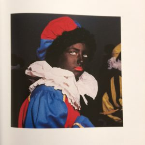 Anna Fox, Zwarte Piet. Uit: Anna Fox en Mieke Bal, Zwarte Piet.