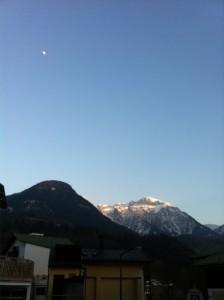 Maan boven Berchtesgaden